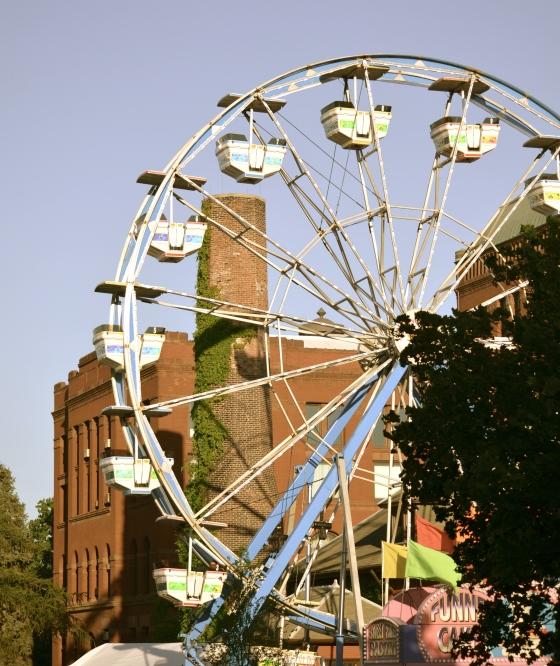 Windy City Carnival rides were in full swing.